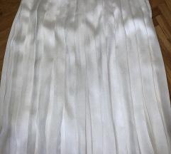 bela suknja plisirana