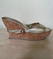 JOX zlatne papuce na stiklu
