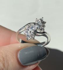 Srebrni prsten cirkon