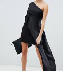 Crna asimetricna haljina na jedno rame