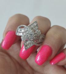 NOV prsten sa kristalima 925 20mm