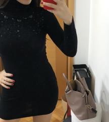 Crna mini rolka haljina