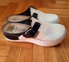 Nove kožne papuče