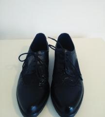 Crne cipele spic