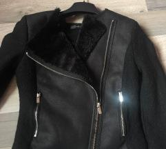 *ZARA jaknica naložena krznom*