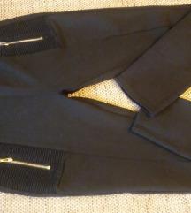 crne pantalone helanke