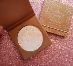 Essence Honey mat puder NOVO
