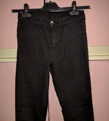 H&M crne pantalone/farmerke