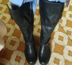Crne bajkerske čizme 🐞
