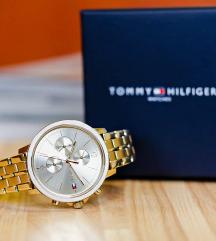 Tommy Hilfiger zlatni sat NOV