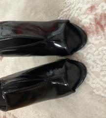 Papuce na stiklu
