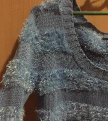 Prelep plavi čupavi džemperak SNIZEN