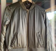 H&M maslinasta jaknica