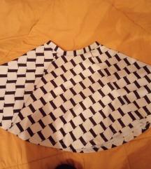Simpatična duboka suknja