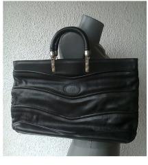 crna velika kožna torba