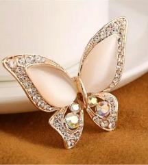 Broš opal i kristali u obliku leptira