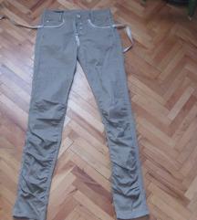 Bež-sive pantalone sa zabicama
