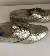 Cipele sa sljokicama