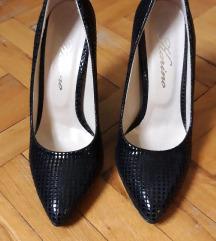 Crne cipele na stiklu 37  DOGOVOR