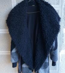 Sivo - Crni kaput