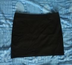 Crna mini suknja