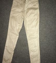 Pantalone šljokičaste