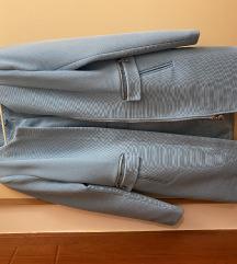 Amisu mantilic svetlo plave boje