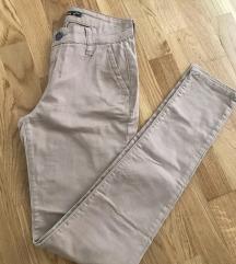Uske krem pantalone visok struk