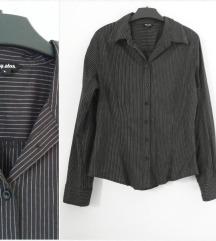 Prugasta crno bela košulja M-L