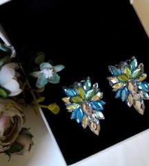 Zeleno-plave kristalne mindjuse