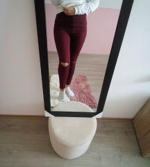 Crvene pantalone SNIZENE 400