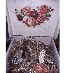 Drvene kutije dekupaz za nakit