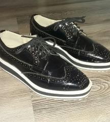 Ženske crne cipele