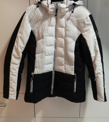 Ellesse zenska jakna nova snizena 6.500din