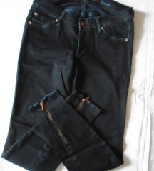 Nove crne pantalone/farmerke