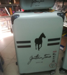 Kofer 4 kom