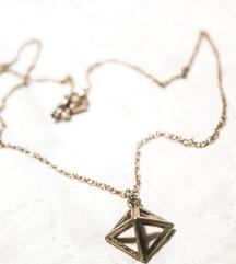 Pyramid ogrlica