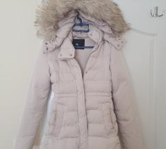 Zara zimska jakna sa kznom