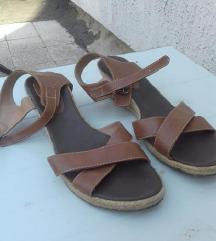 Oysho kamel sandale