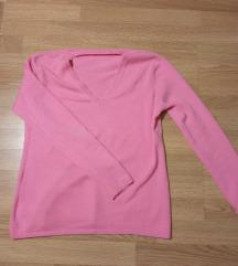 Roze džemper sa V izrezom