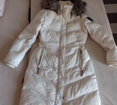 Khujo skupocena zimska jakna vel M/L
