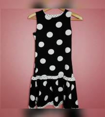 Crno-bela haljinica sa tufnicama