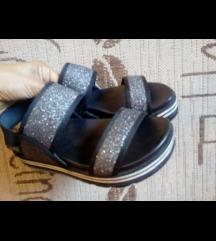 Snizene sandale