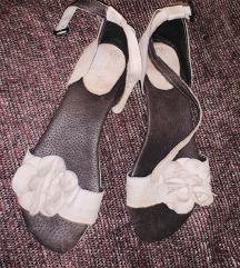Skipocene kozne kao nove sandale