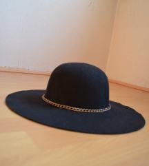 crni šešir veliki