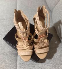 Braon sandale