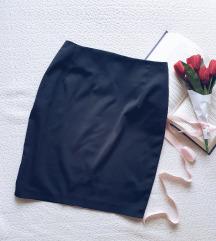 Crna poslovna suknja