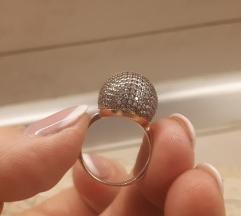 Savrsen srebrni prsten unikat