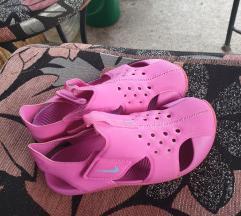 Nike sandale vel 31
