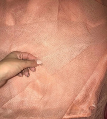 Roze suknja do kolena